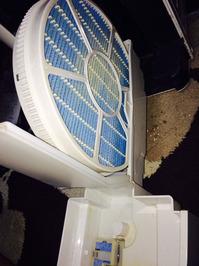 家庭用空気清浄機 分解クリーニング カビてしまった加湿機タンク挿入口とフィルター 鹿児島市 ヒューマンライズ