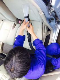 車の車内まるごと天然オーガニッククリーニングと消臭サービス