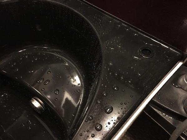 ヒューマンライズの浴室リペアコーティング 鹿児島市 作業後 撥水状況
